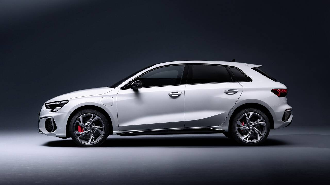 2022 Audi A3 Sportback 45 TFSI e debuts in Europe