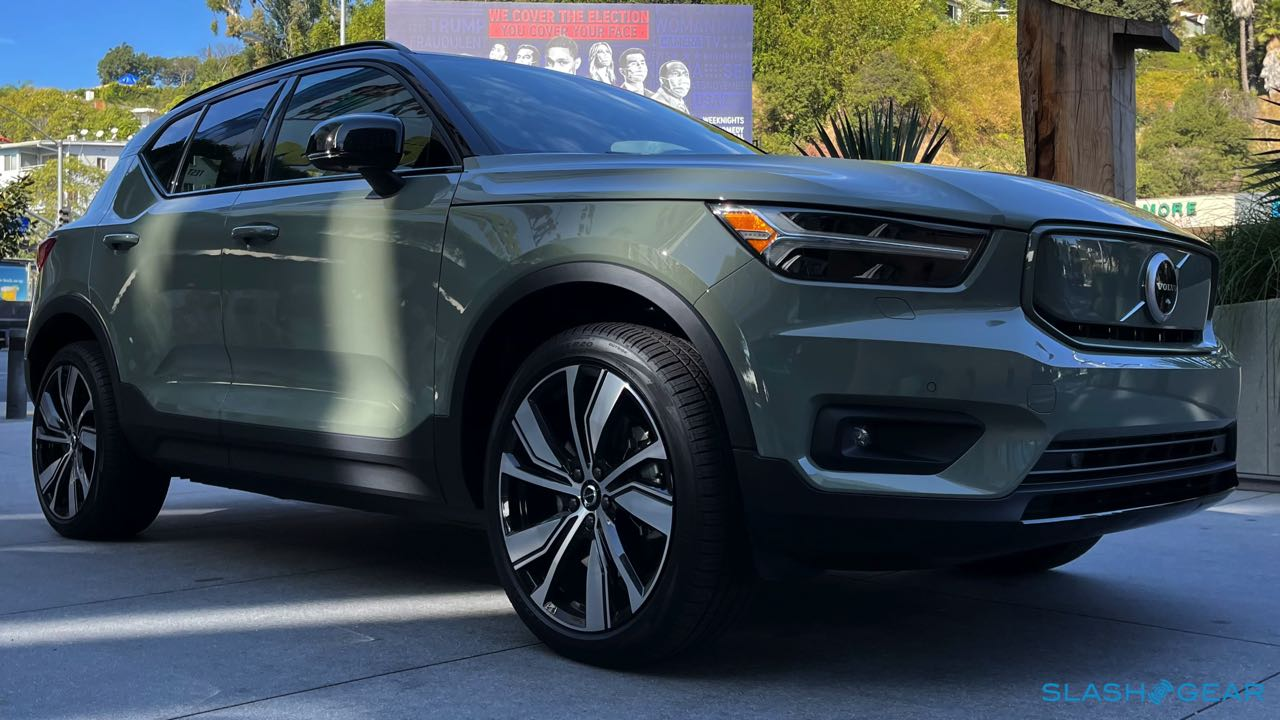 2021 Volvo XC40 Recharge P8 First Drive – Crossover EV has Swedish star potential