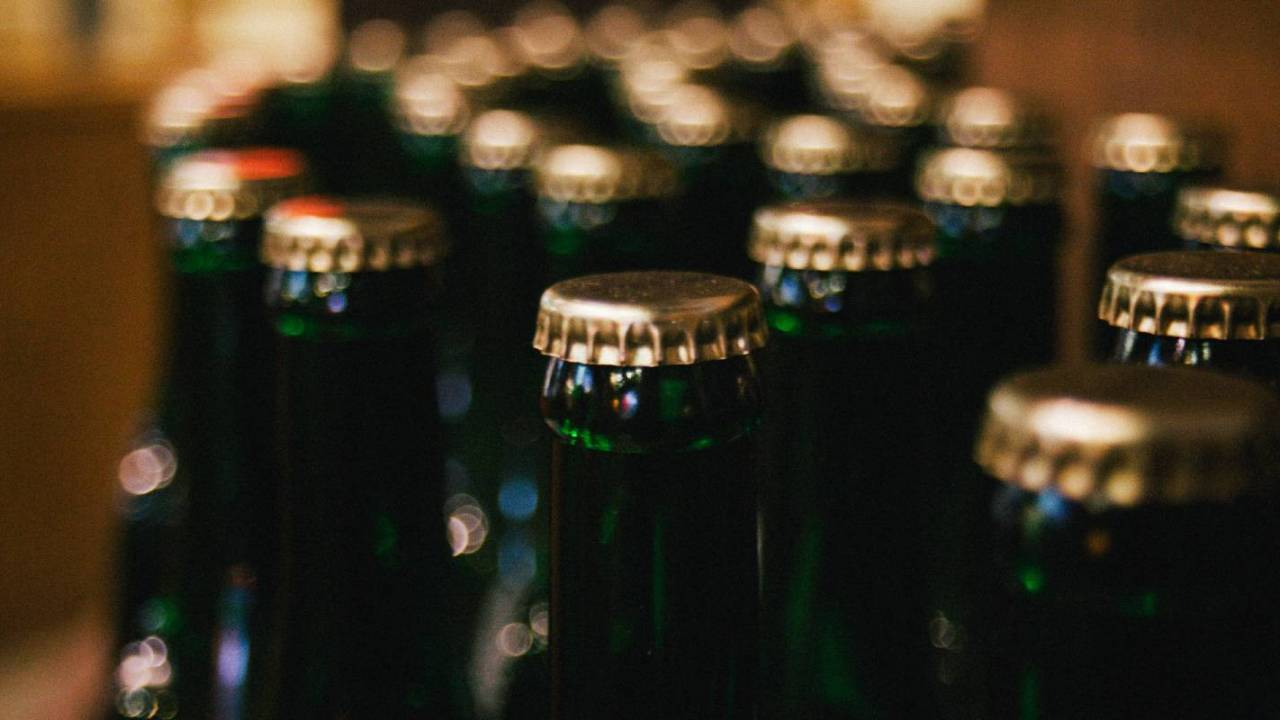 Study warns many people are drinking too much alcohol in lockdown
