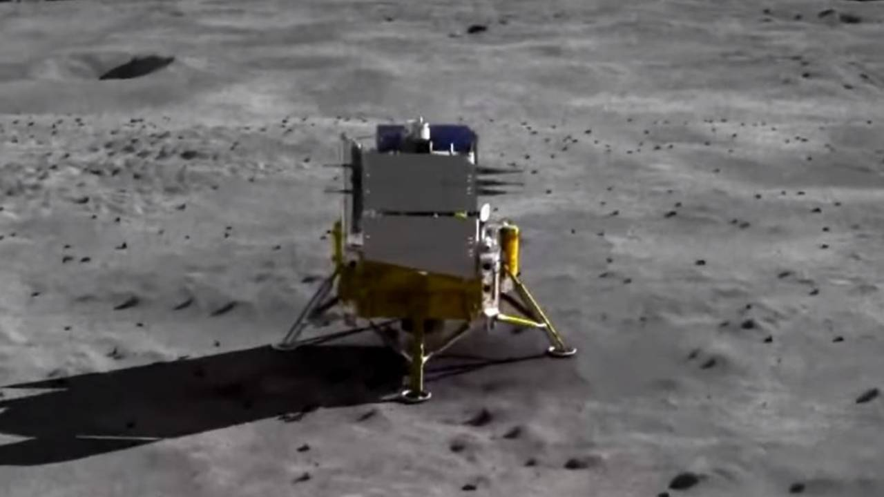 China's Chang'e 5 probe is heading back to Earth with Moon rocks