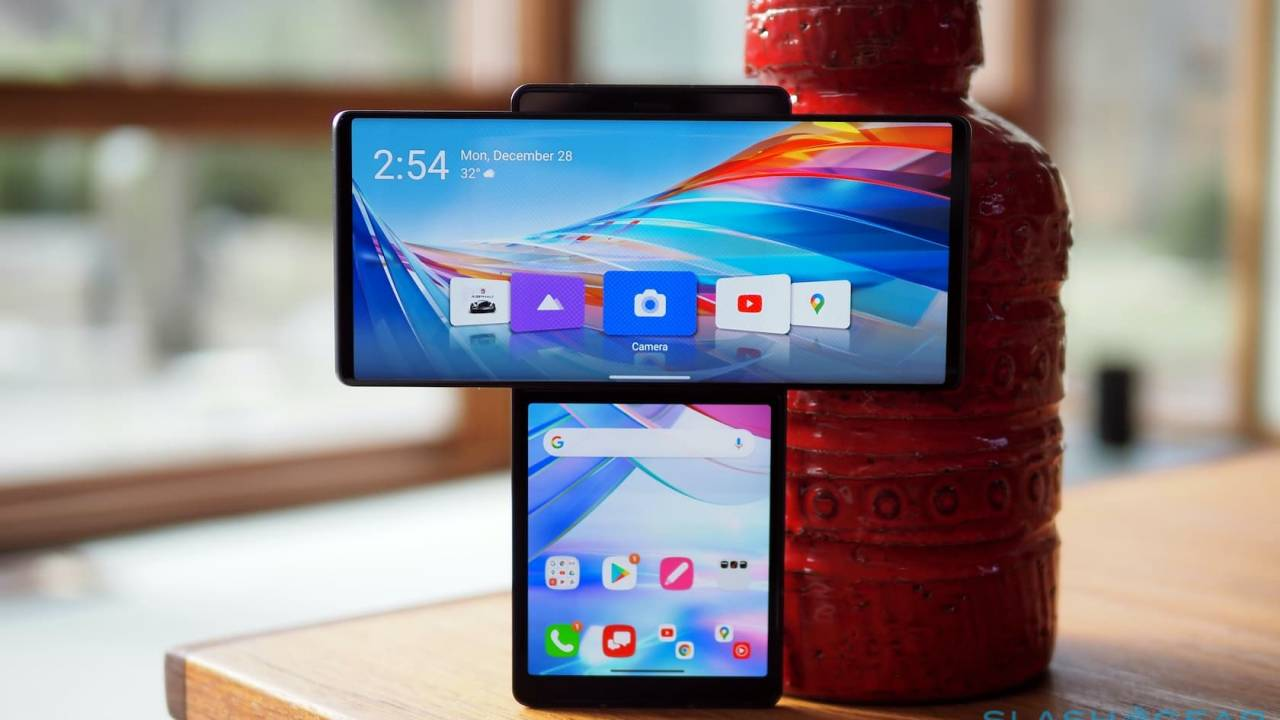LG Wing Review – Swiveling Android is Peak 2020