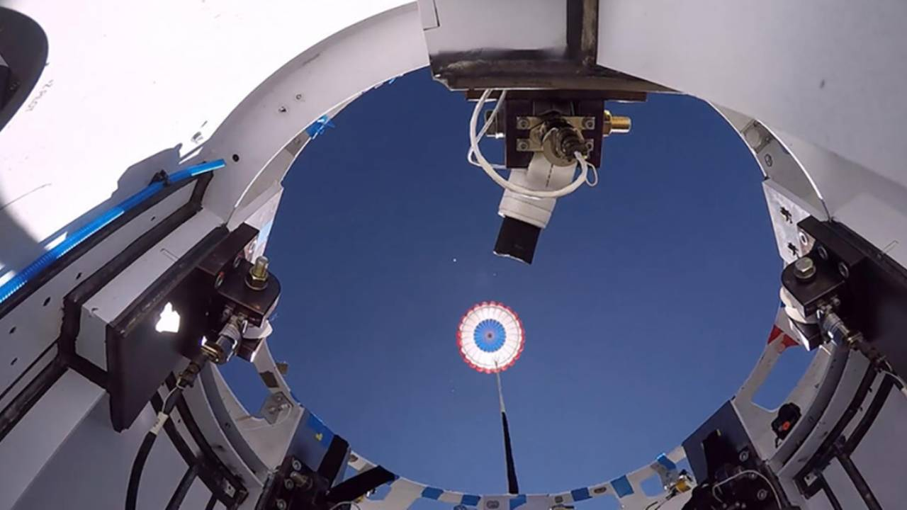 Watch Boeing's CST-100 Starliner ace NASA's parachute test