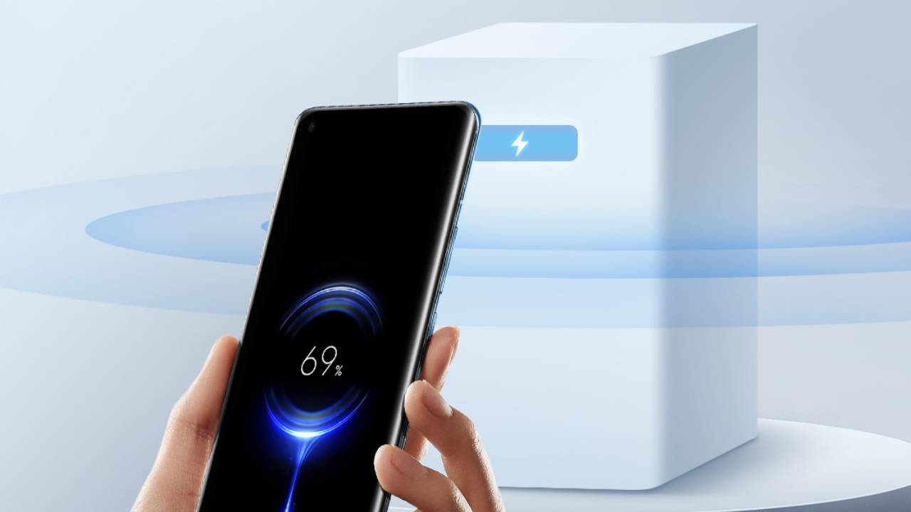 Xiaomi Mi Air Charge can charge phones wirelessly from a distance