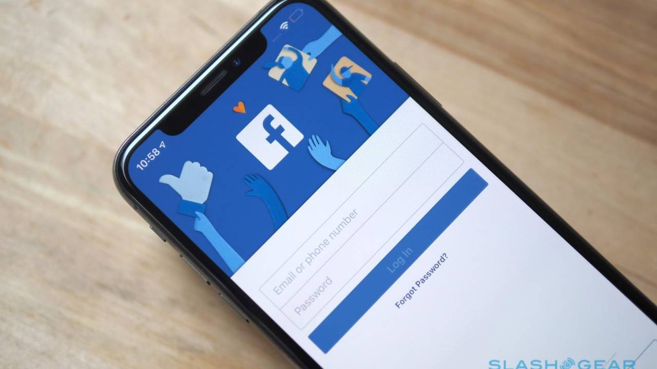 Facebook yields to iOS 14 privacy changes, leaves businesses a warning