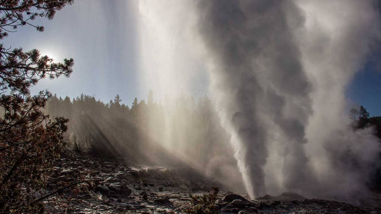 Reactivated Yellowstone geyser isn't an indication of pending volcanic eruptions