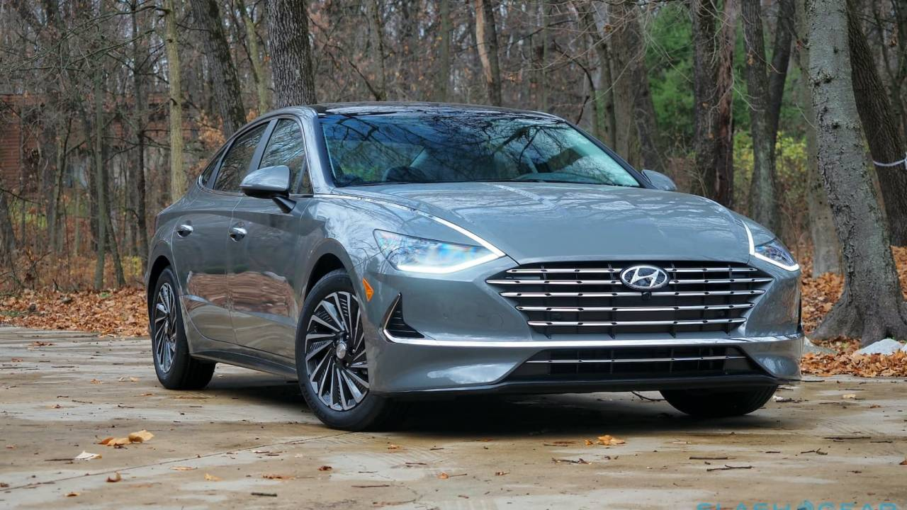 Hyundai Sonata Hybrid Review: The solar roof is really good for one thing