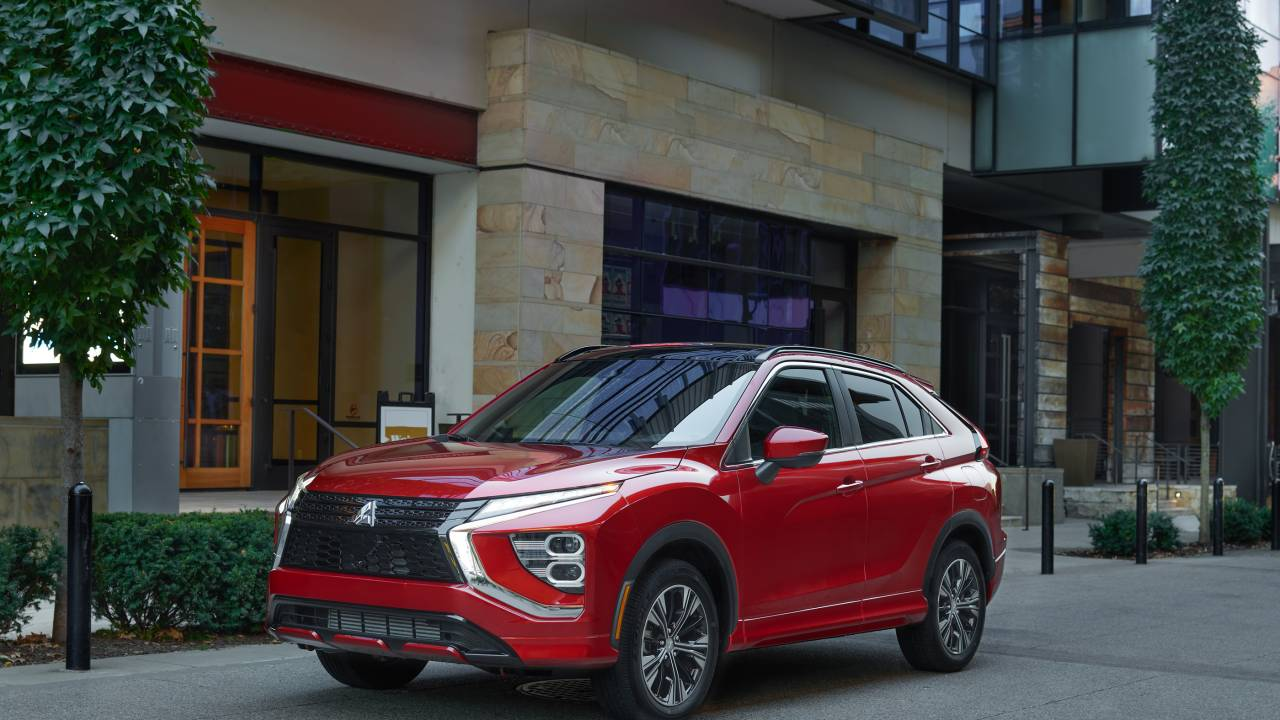 Redesigned 2022 Mitsubishi Eclipse Cross gains features and cargo capacity