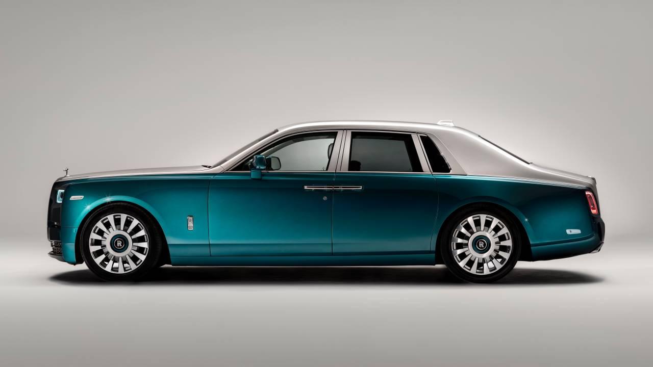 Rolls-Royce Phantom Iridescent Opulence is an art gallery on wheels