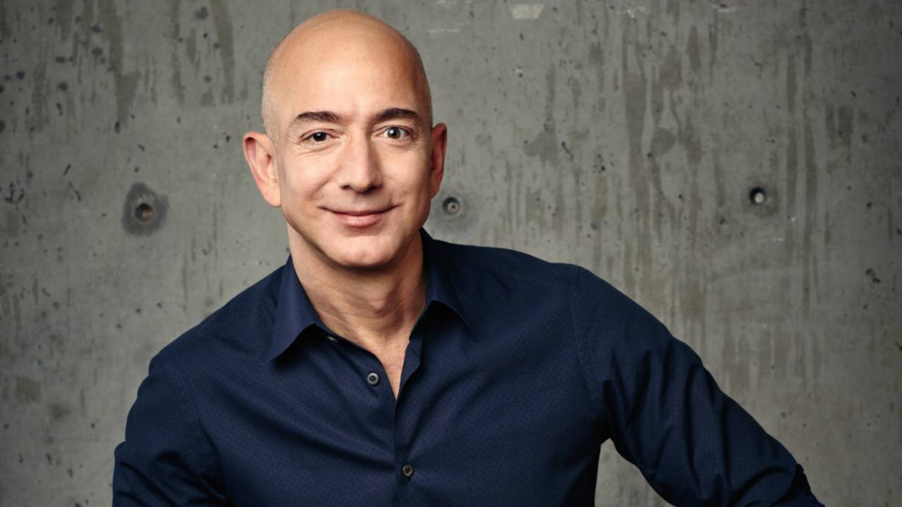 Amazon: CEO Jeff Bezos is stepping down after bumper 2020