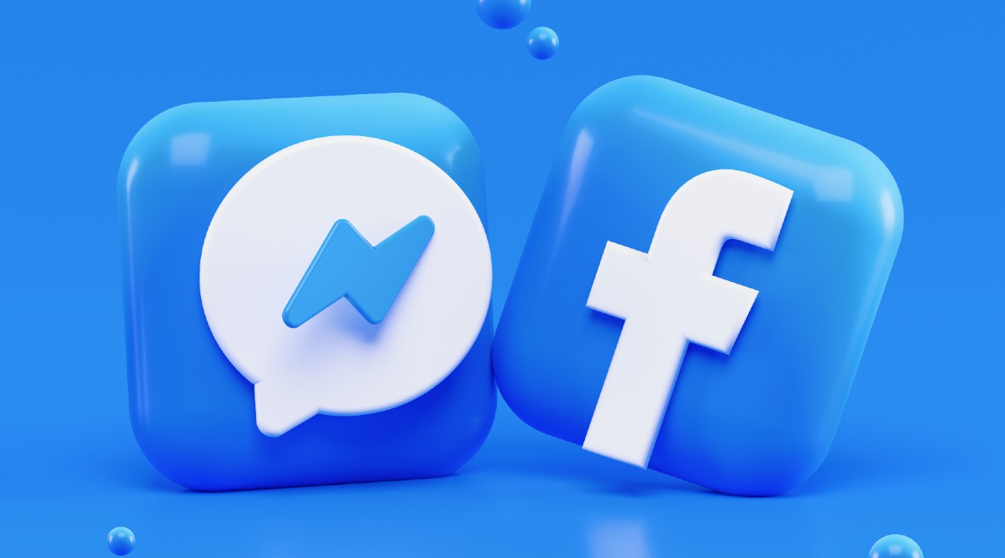 Facebook smartwatch with social media features tipped to launch in 2022 -  SlashGear