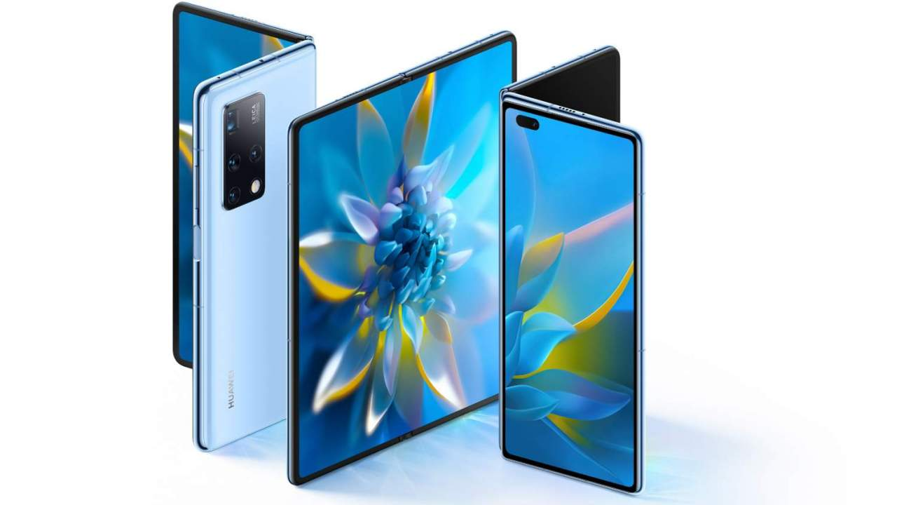 Huawei Mate X2 foldable phone goes supersized with the same big issue