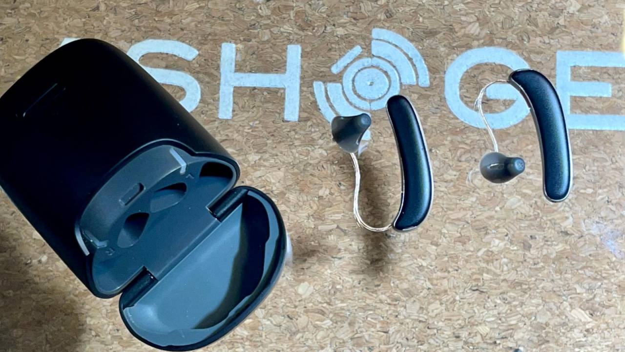hear.com horizon hearing aids aim for a younger, active crowd