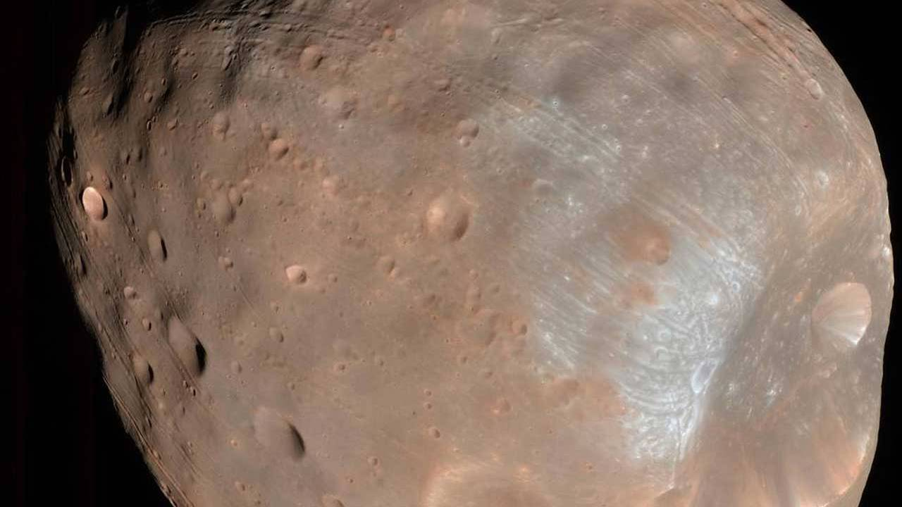 Mars' moon Phobos may hold evidence of the ancient Martian atmosphere