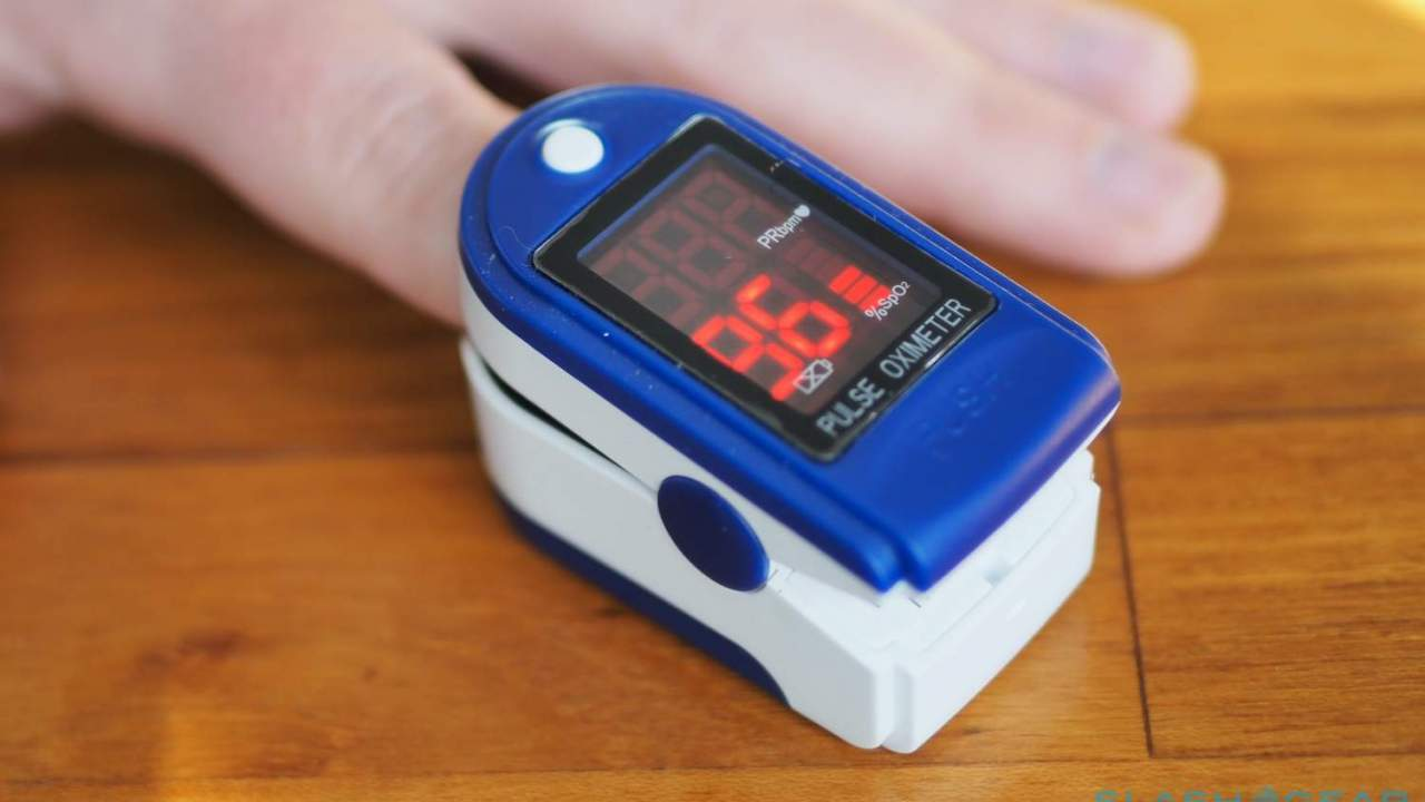 FDA pulse oximeter warning cautions on COVID-19 blood oxygen testing