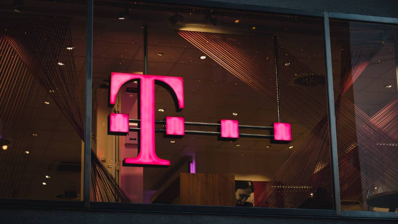 T-Mobile says severe winter weather is causing network issues