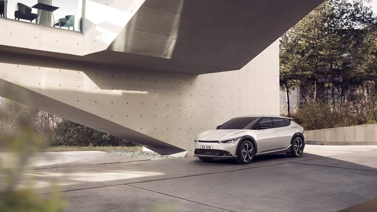 Kia EV6 unveiled boasting the brand's new 'Opposites United' design theme