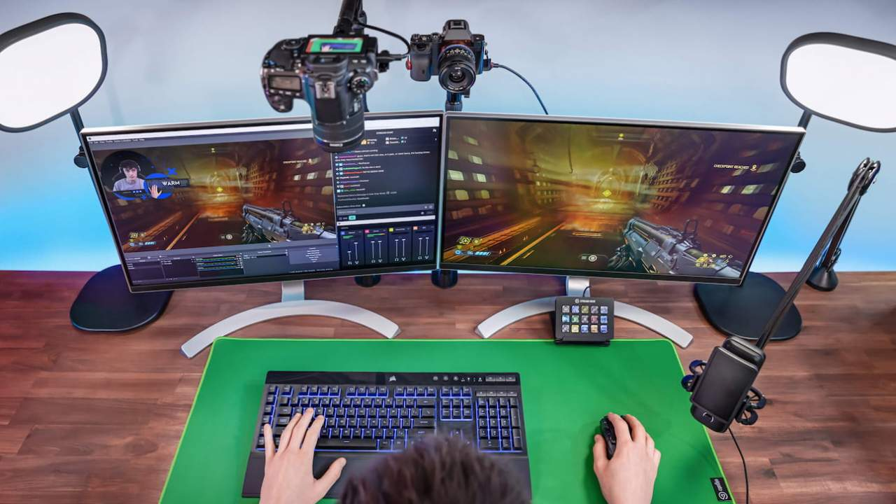 Elgato's new mouse mat doubles as a green screen (and it's genius)