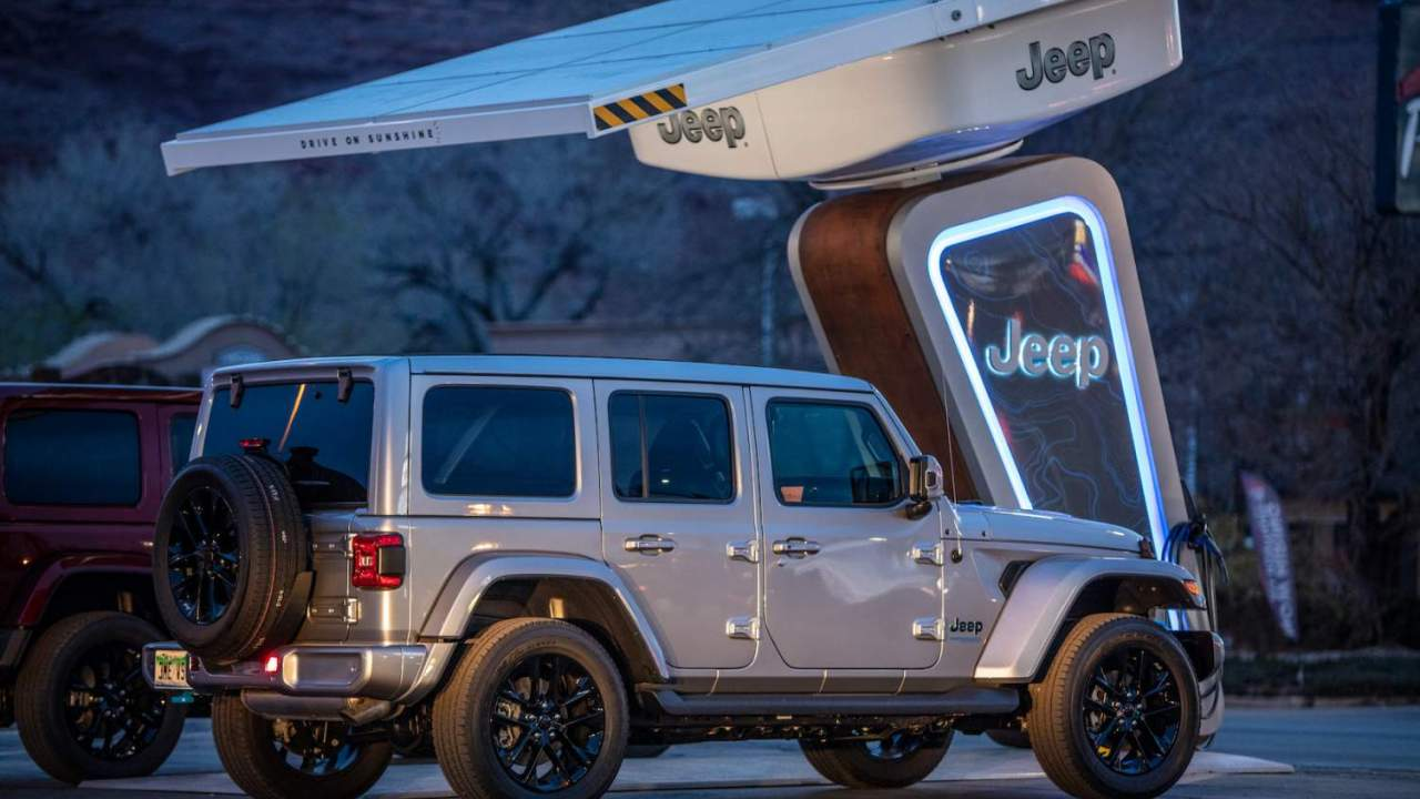 Jeep Wrangler 4xe owners are getting special trailhead EV chargers