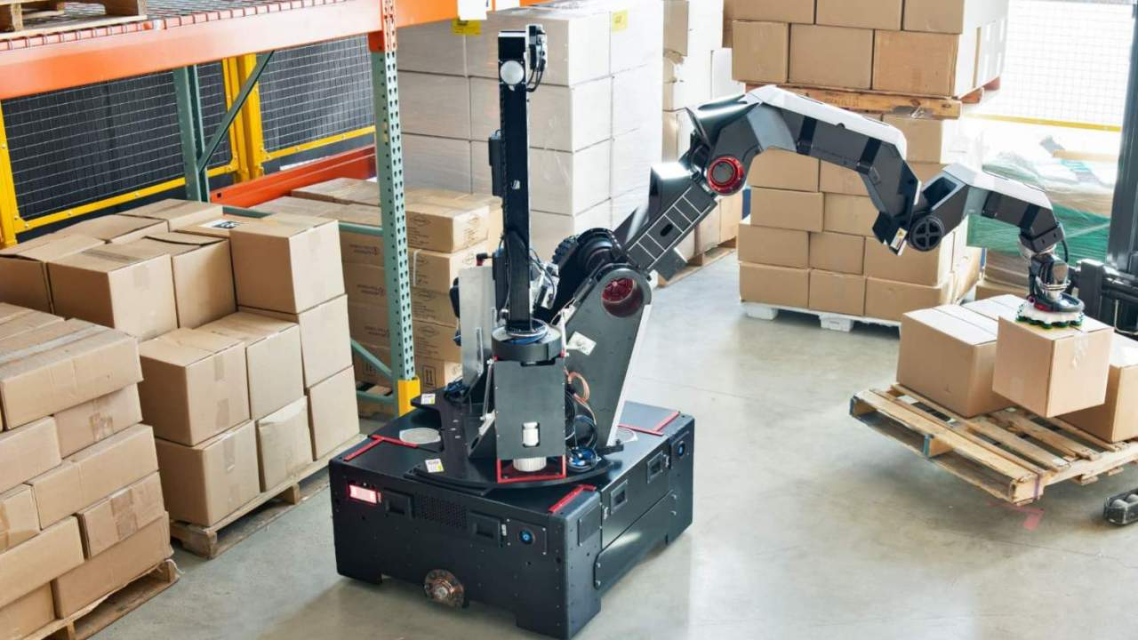 Boston Dynamics' new robot skips animal designs for warehouse work