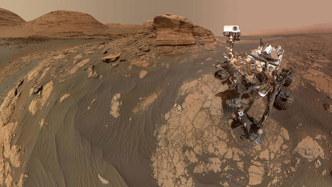 NASA Curiosity Mars rover snaps pictures at Mont Mercou