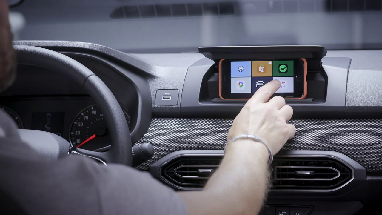 Dacia's innovative Media Control turns your smartphone into an infotainment display screen