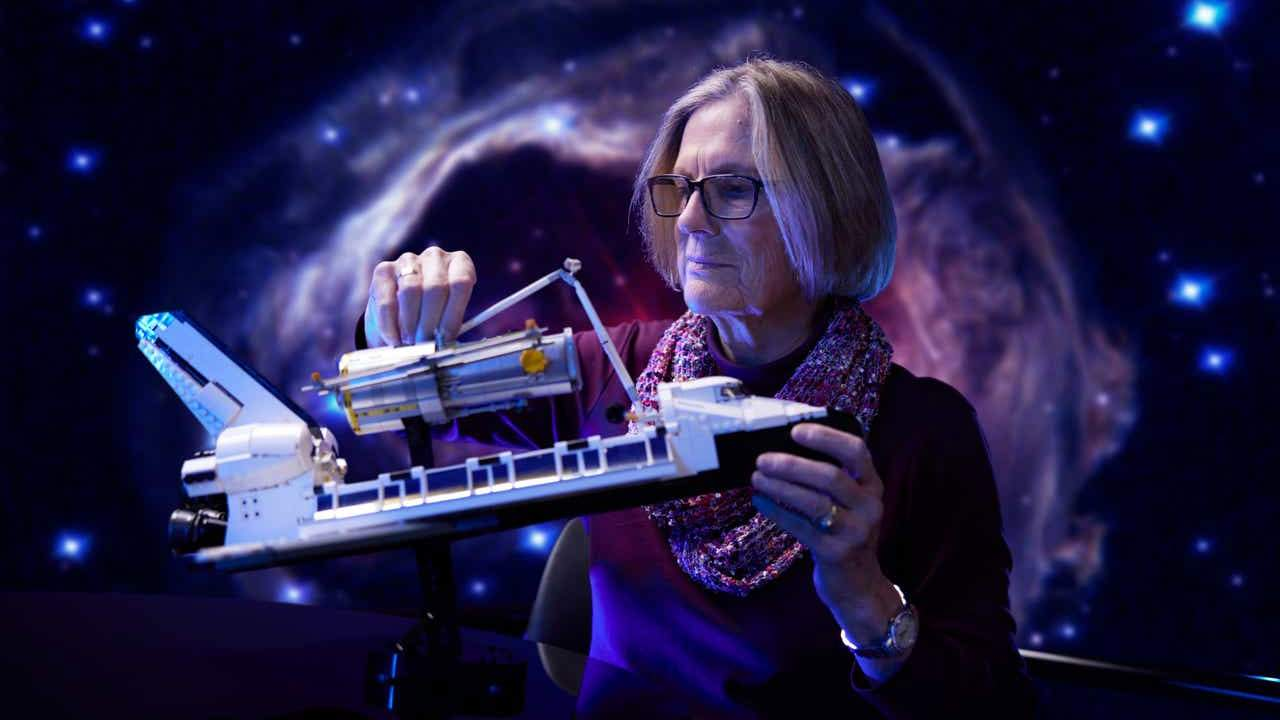 LEGO NASA Space Shuttle Discovery, Hubble get checked by Dr. Kathy Sullivan
