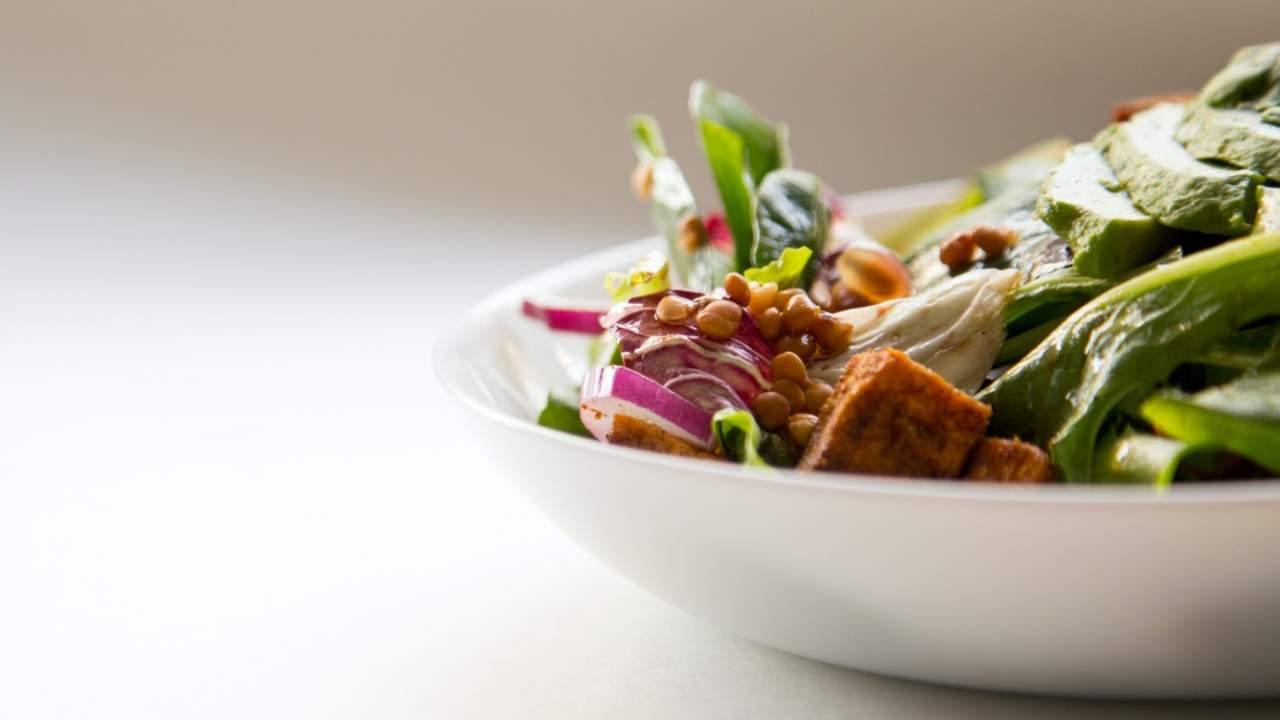 Study reveals vegan diets may jeopardize bone health