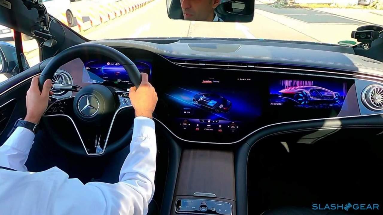2022 Mercedes-Benz EQS virtual co-drive: A high-tech preview of a high-tech EV