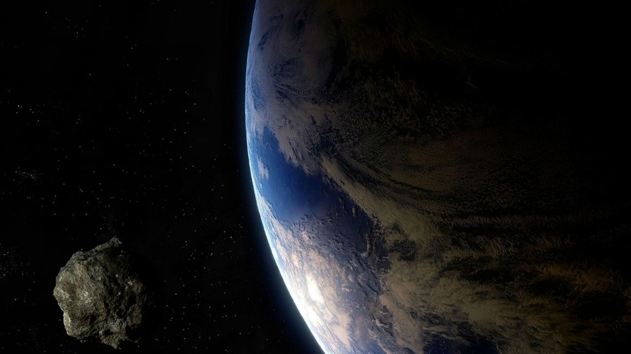 Asteroid 2021 GT3 will pass between the Earth and moon on April 10