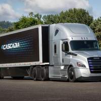 Daimler Trucks North America opens preorders for fully electric big rigs