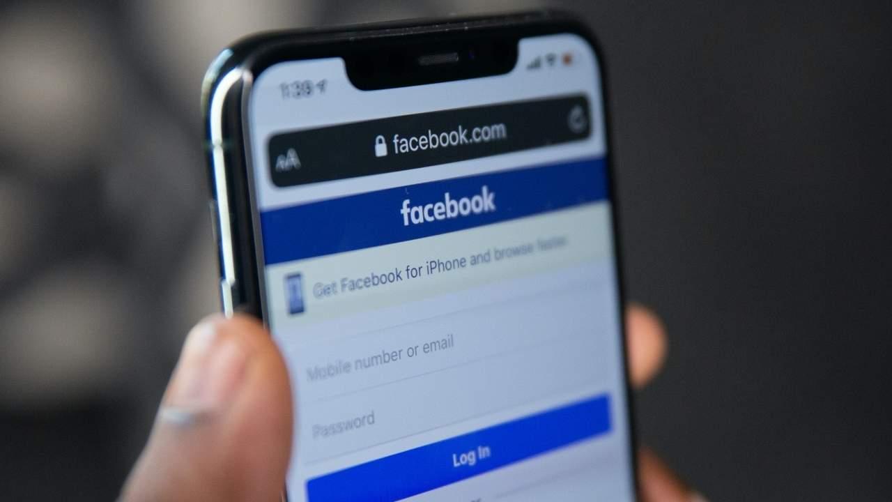 Facebook massive leak exposes 500 million users to phishing
