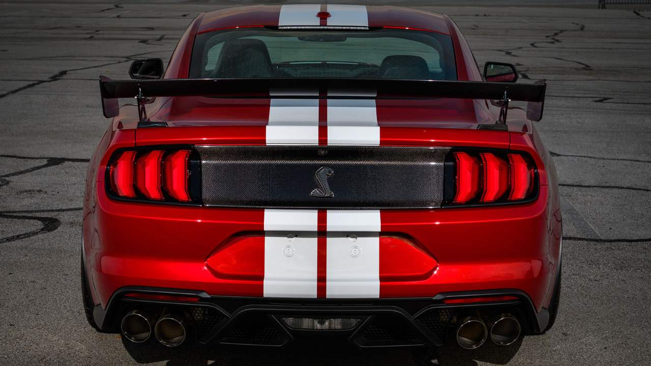 Ford Performance carbon fiber accessories for the Shelby GT500 debut