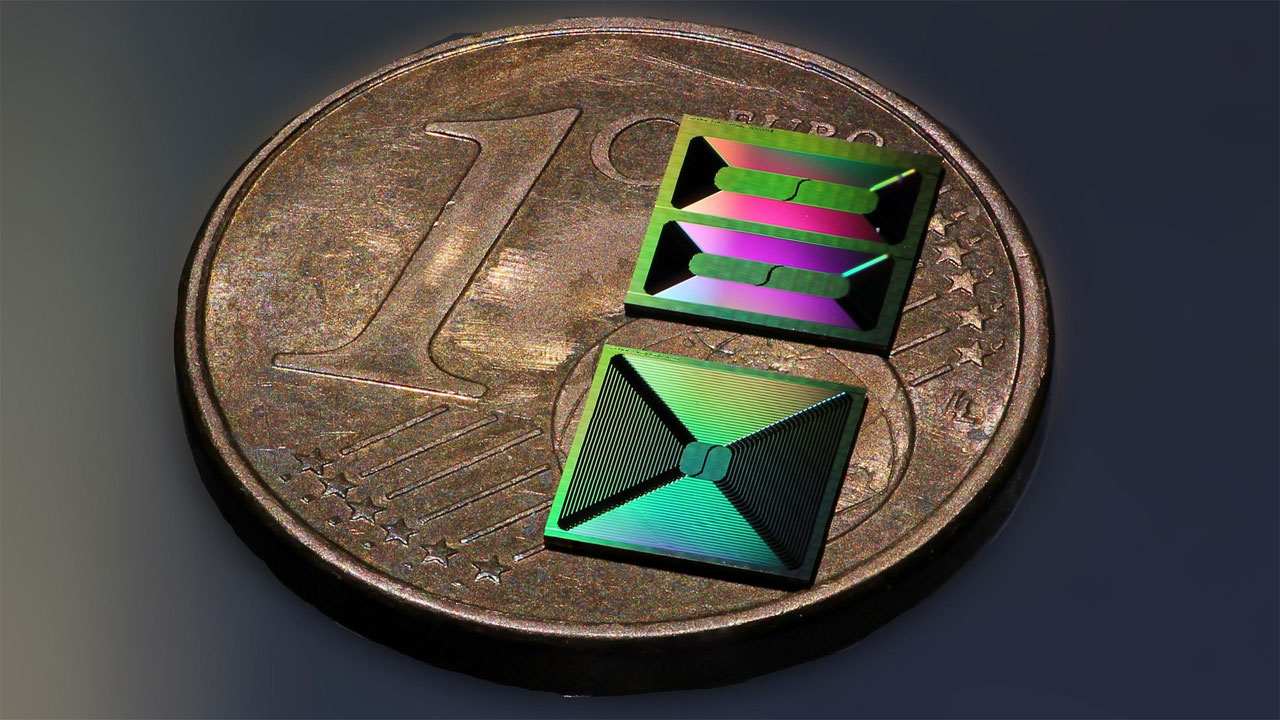 Researchers create ultralow-loss silicon nitride integrated photonic circuits