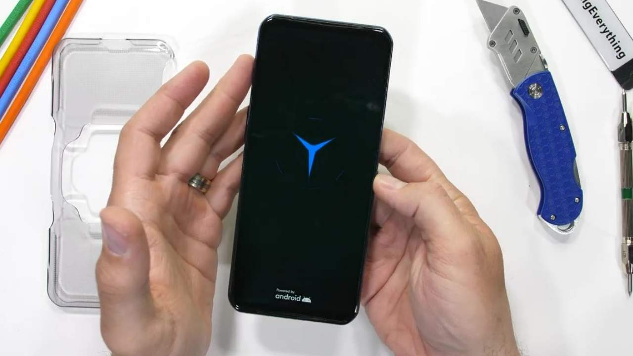 Lenovo Legion Phone Duel 2 durability test ends terribly