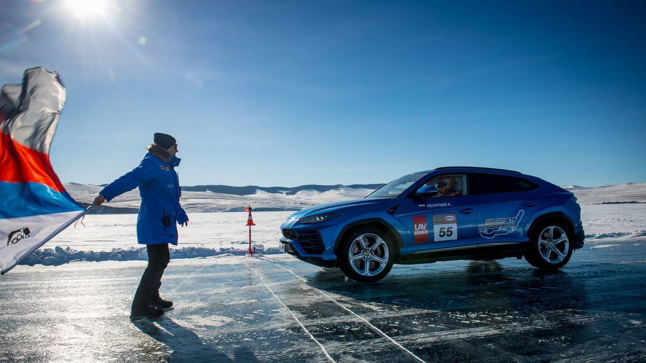The Lamborghini Urus' high-speed ice record is now official