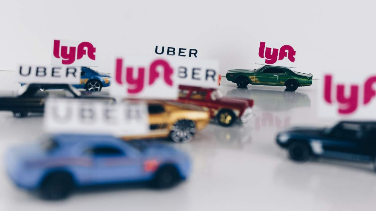 White House taps Uber and Lyft to offer free rides to vaccine appointments