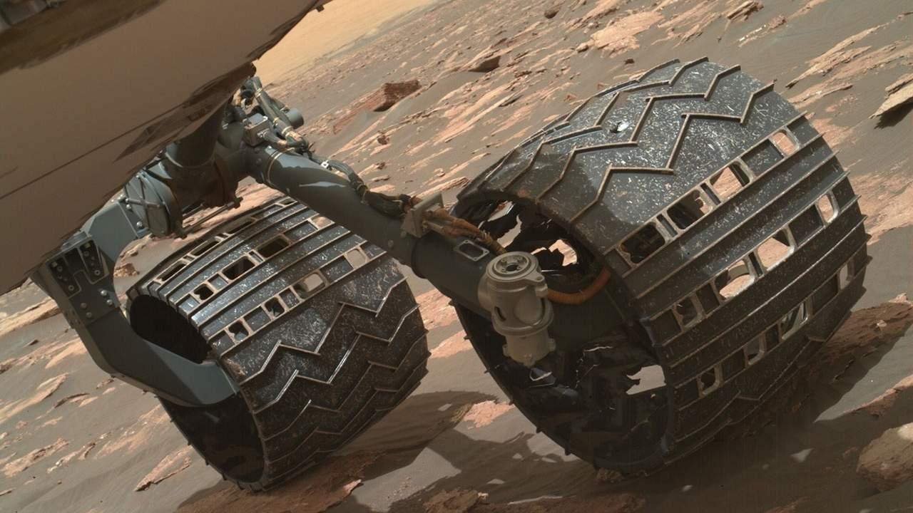 Curiosity rover could ditch a broken wheel to continue exploring