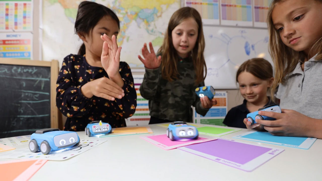 Sphero Indi robot aims directly at early learners