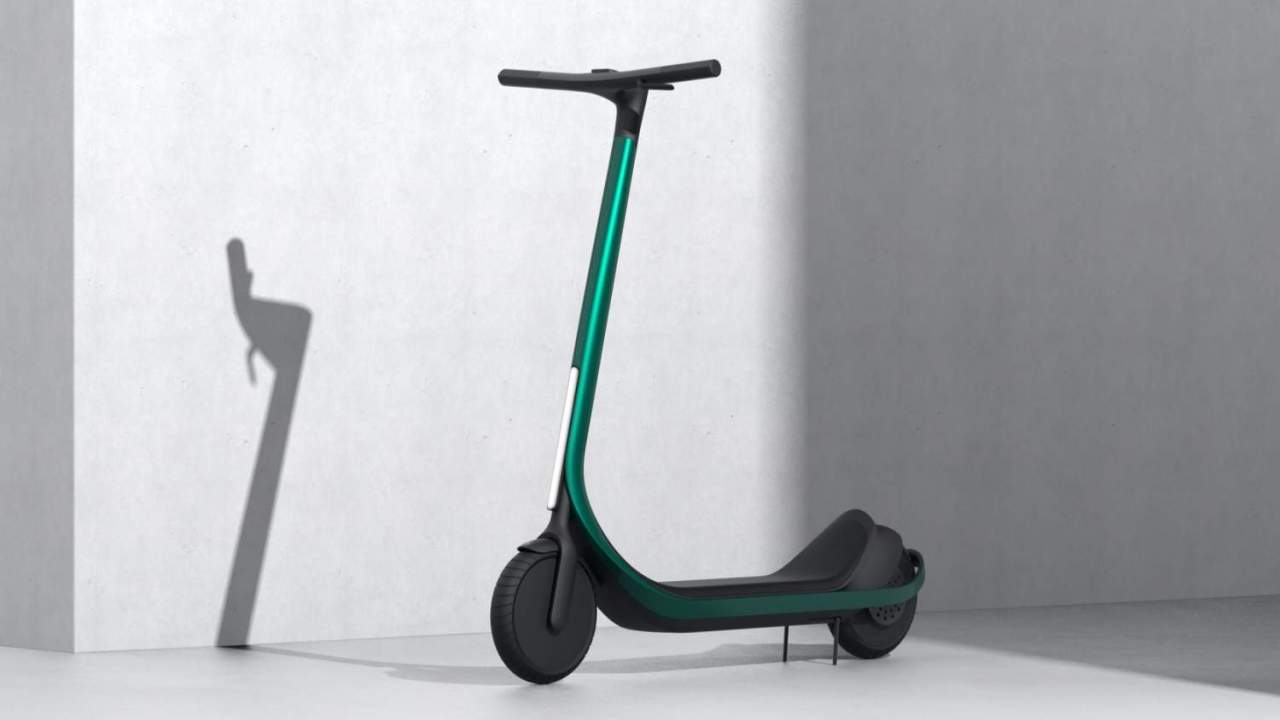 3D printed carbon fiber scooter promises custom sizing at a price