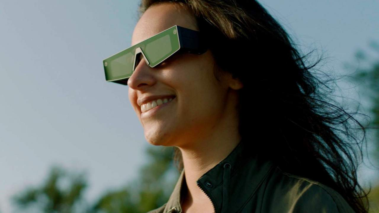 Snap just bought a key tech company for its AR smart glasses vision