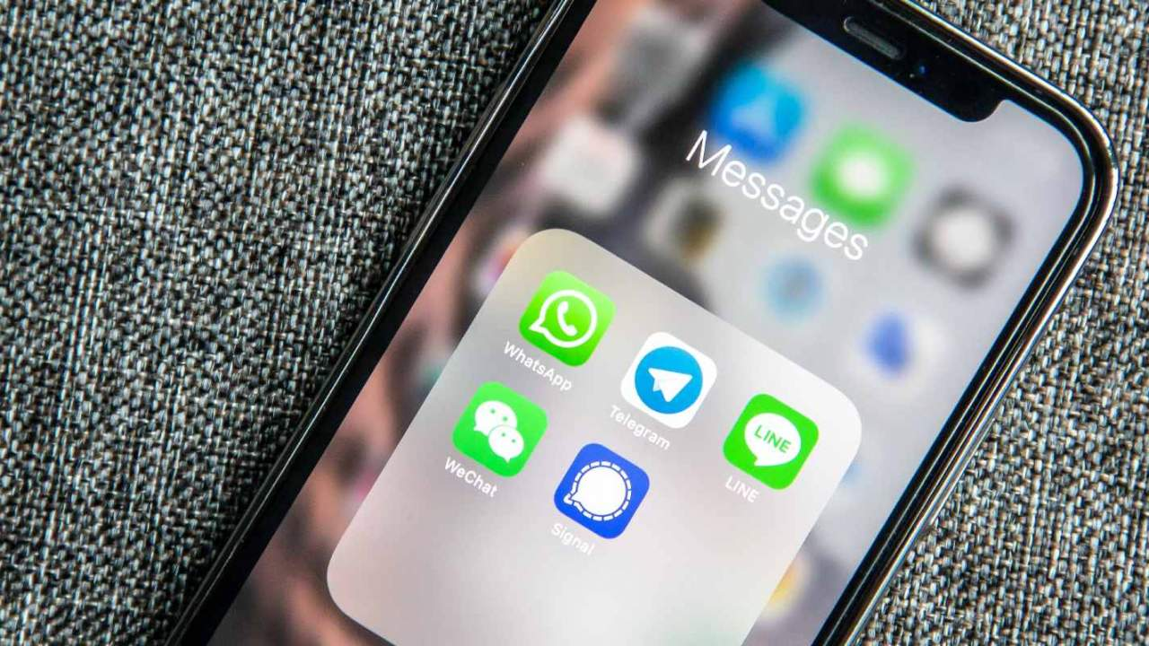 Facebook backtracks, won't limit WhatsApp over privacy policy