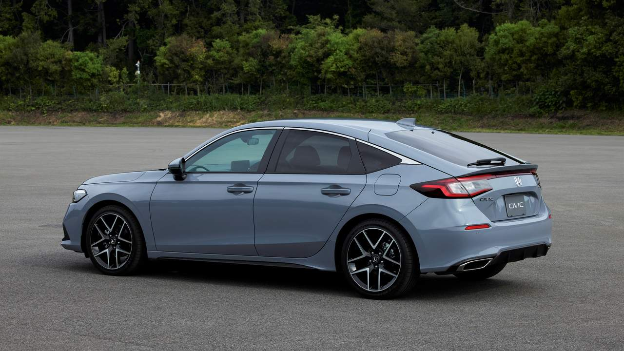 2022 Honda Civic Hatchback arrives with a six-speed manual gearbox