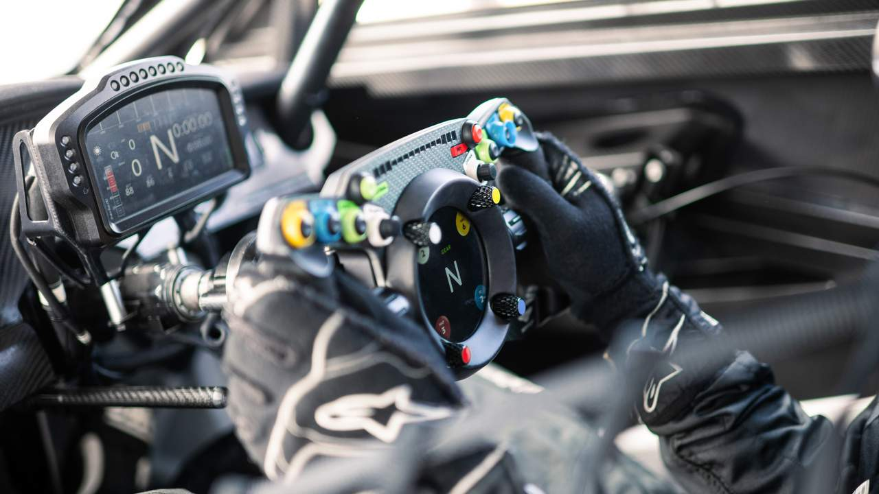 Bentley collaborates with Fanatec to create a GT3 steering wheel for work and play