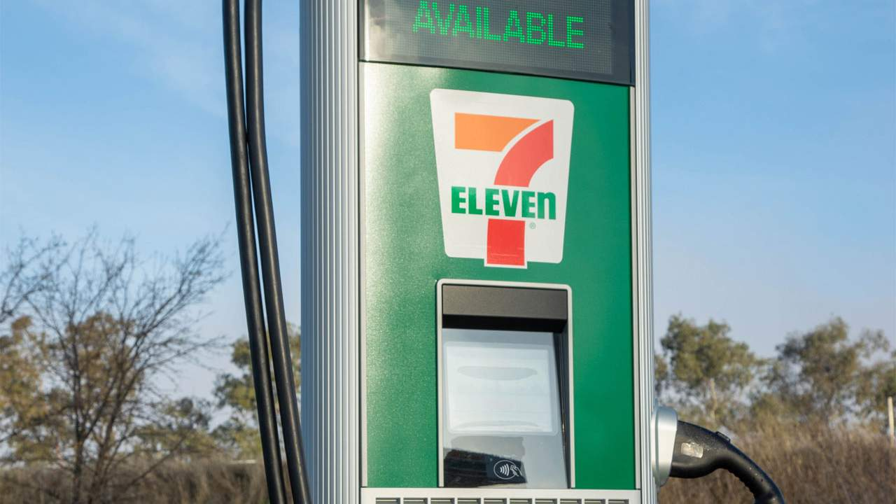 7-Eleven plans to install 500 EV charging stations by the end of 2022