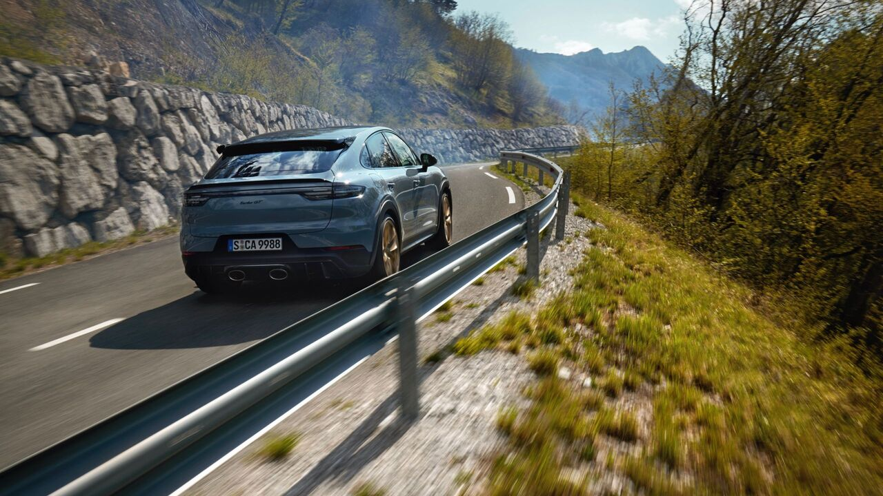 2022 Porsche Cayenne Turbo GT arrives with record-breaking credentials