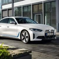 The BMW i4 strikes a dangerous balance