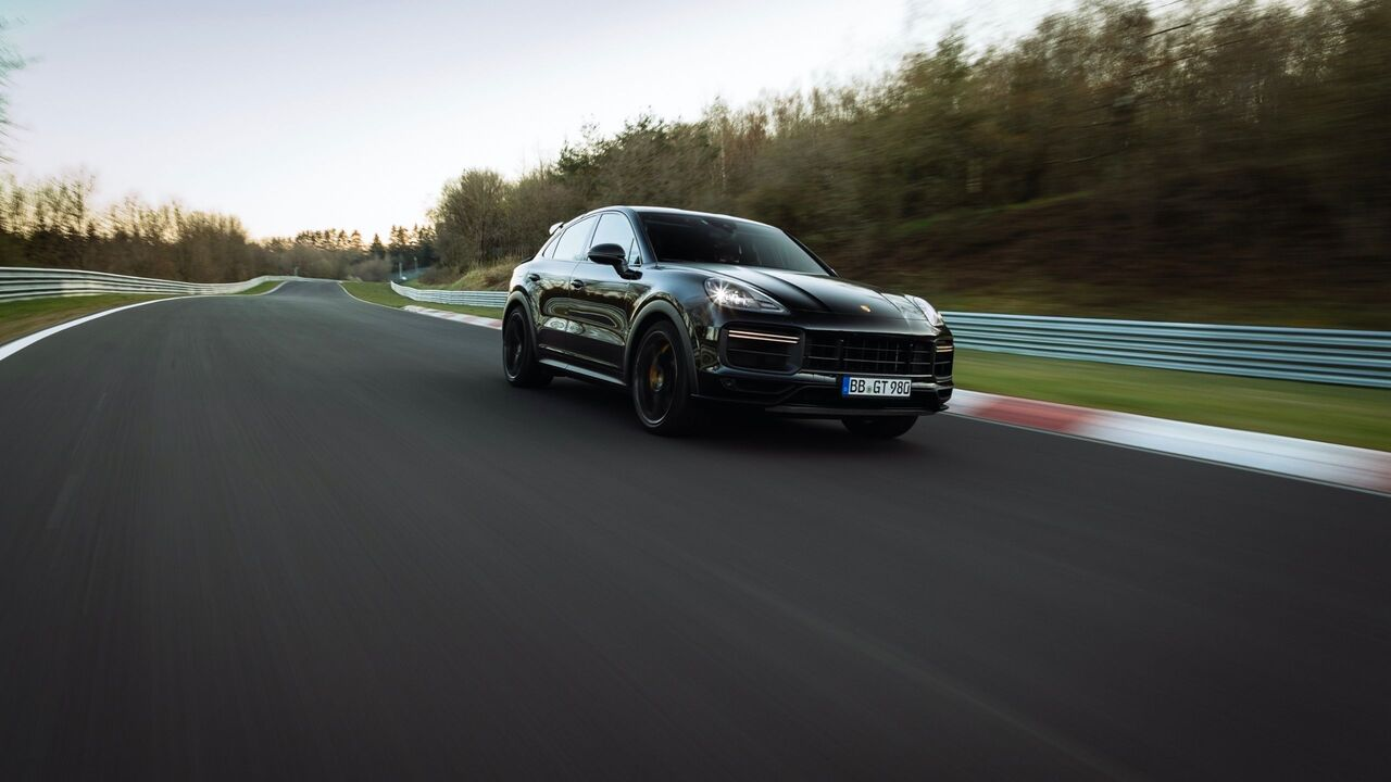 2022 Porsche Cayenne Coupe breaks the Nürburgring lap record for production SUVs