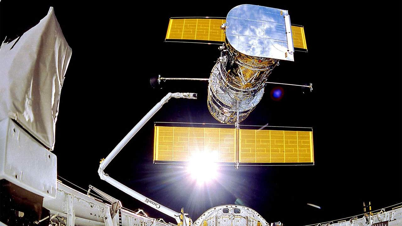 NASA is pulling out all the stops to fix the Hubble Space Telescope