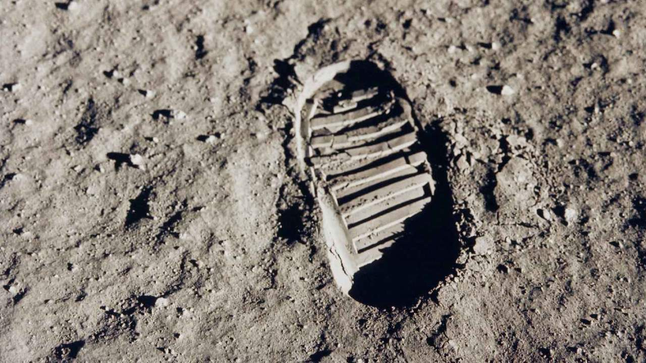 NASA says lunar dust is a big problem, but it is working on solutions