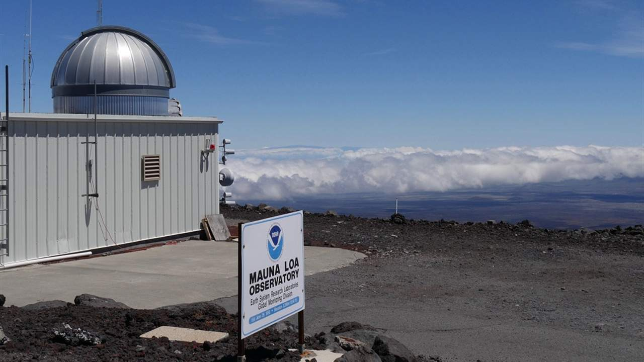 Carbon dioxide reaches the highest level in decades at Mauna Loa observatory